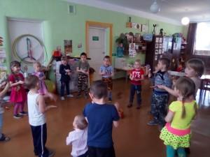 танец с ложками